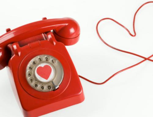 Le dating en ligne: le piège du téléphone